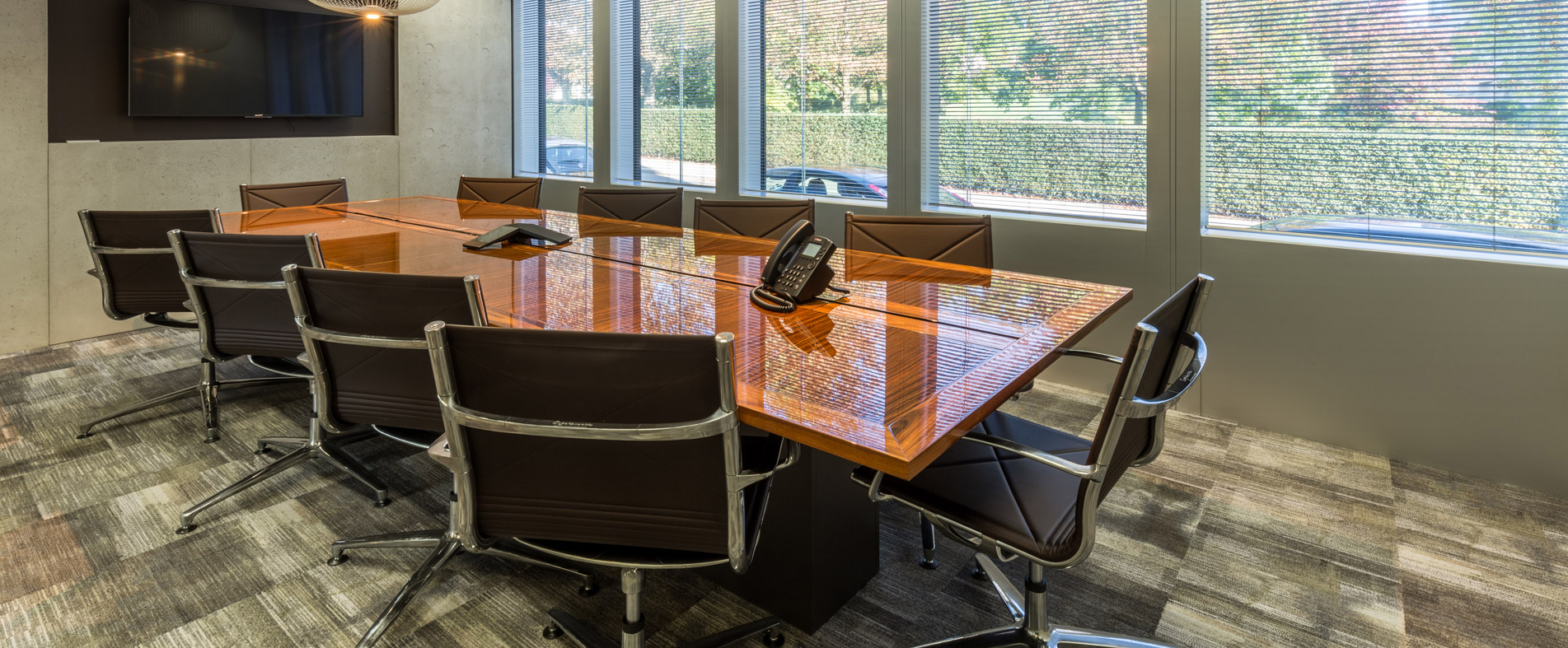 Konferenztisch individuell lt. Architektenvorgabe